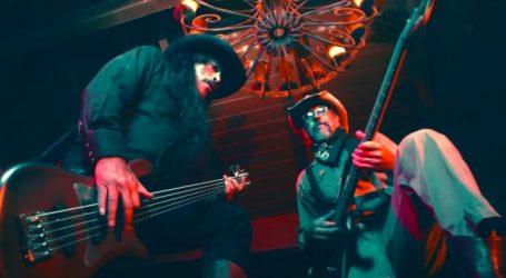 Pogledajte kratki western o dvoboju dvojice rock basista