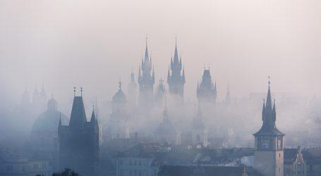 U Češkoj više teško oboljelih nego u studenome, trgovine ostaju zatvorene