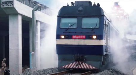 Na granici Kine i Vijetnama svi vlakovi prolaze automatiziranu dezinfekciju