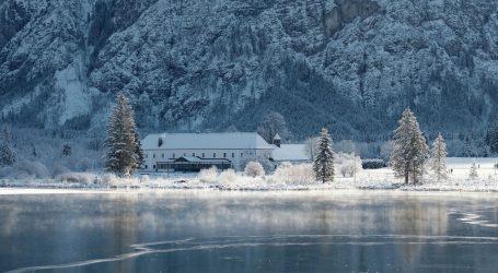 Švedska: Dvije starije osobe propale kroz zaleđeno jezero i utopile se