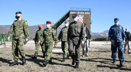 MORH: Ministar Banožić posjetio kadete na zimskom kampu u Udbini