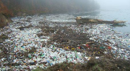 Plastični otpad preplavio rijeku Tisu u Mađarskoj