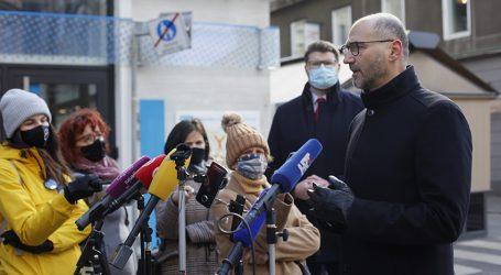 """Klisović: """"Jedini vidljiv rezultat Zakona o obnovi su šperploče, simboli neuspjeha"""""""