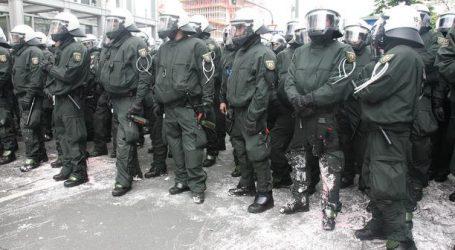 Tisuće prosvjednika i protivnika cijepljenja diljem njemačkih gradova