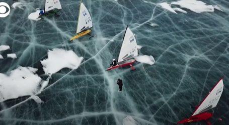 Na zaleđenom Bajkalskom jezeru uz dobar vjetar održano natjecanje u jedrenju