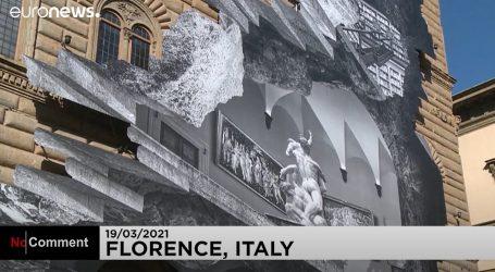 Firenca: Velika umjetnička instalacija na zidu Palače Strozzi