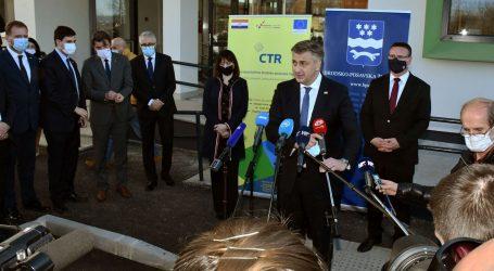 Plenković obišao novu pedijatriju u Slavonskom Brodu koja je koštala 12 milijuna kuna