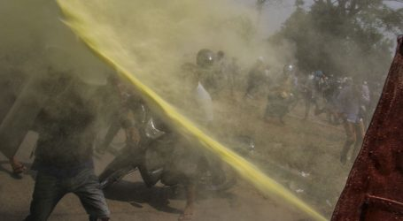 Dva prosvjednika ubijena u Mjanmaru, trgovine i tvornice zatvorene