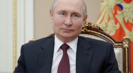 Putin i njegov ministar obrane Šojgu vikend proveli uživajući u sibirskoj tajgi
