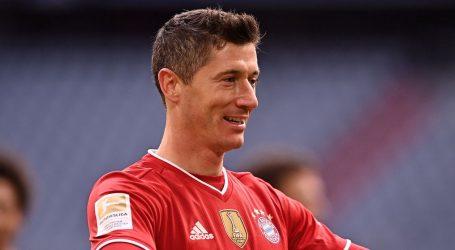 Bundesliga: Bayern uvjerljiv i s igračem manje, hat-trick Lewandowskog
