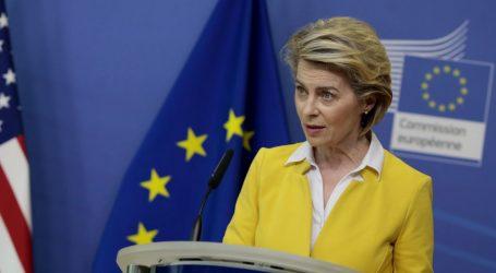 """Ursula von der Leyen: """"AstraZeneca prvo treba ispuniti ugovor pa onda izvoziti"""""""