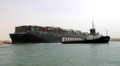 Nasukani brod u Sueskom kanalu poremetio svjetske lance nabave