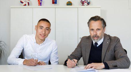 Marin Ljubičić potpisao profesionalni ugovor s Hajdukom