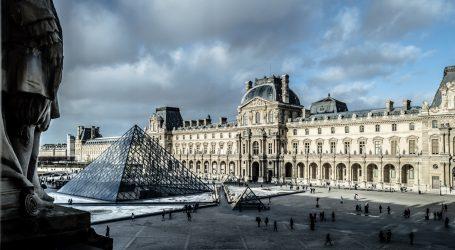 Renesansni talijanski štitnik za prsa i kaciga vraćeni u muzej Louvre