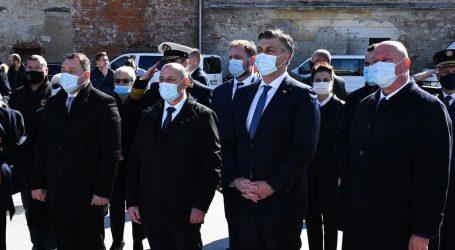 """Plenković u Pakracu: """"Obranili smo se u nametnutom ratu, imamo respektabilnu vojsku"""""""