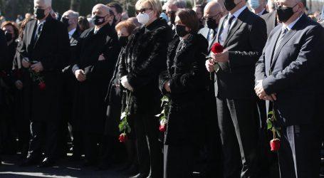 """Orešković: """"Država nekome brani da se na sahrani oprosti od voljene osobe, a netko može. Stožer treba ugasiti"""""""