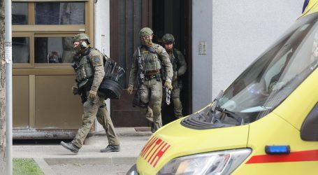 Žena u centru Zagreba prijetila bombom, specijalci joj upali u stan i odveli ju