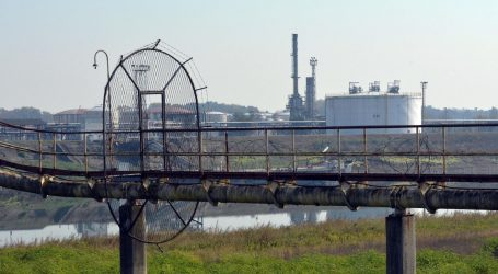 Rafinerija u Bosanskom Brodu u tajnosti spojena na plin iz Hrvatske
