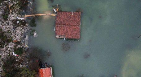 U Vrgorcu počela isplata sredstava za kuće oštećene u poplavi