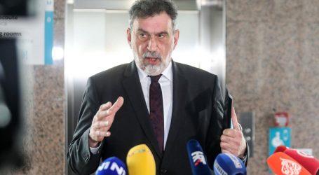 """Ministar Fuchs: """"Broj zaražene djece raste, bude li potrebe, sve škole odmah prelaze na C model"""""""
