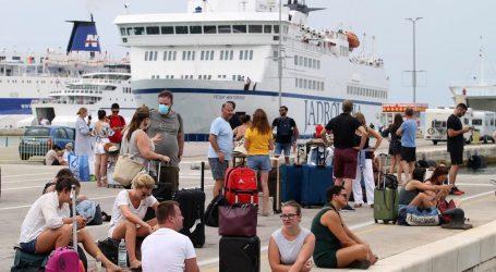 Turistički djelatnici uključeni u prioritetnu skupinu za cijepljenje