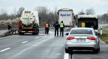 Nesreća kod Okučana: Ozlijeđeni i vozač kamiona pod policijskim su nadzorom