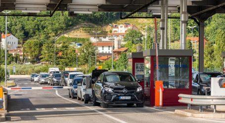 Slovenija se zatvara: Zabranjeno kretanje izvan regija i odlazak u države na crvenoj listi, maske se nose vani