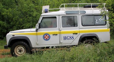Planinara koji je na Biokovu proklizao i udario u stijenu spasili HGSS-ovci