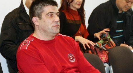 Brač: SDP-ovog načelnika Lozića ispod brisača dočekala njegova osmrtnica, u pitanju su građevinske dozvole u atraktivnim uvalama