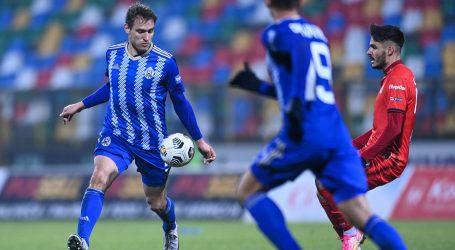 Nikica Jelavić zaključio profesionalnu nogometnu karijeru