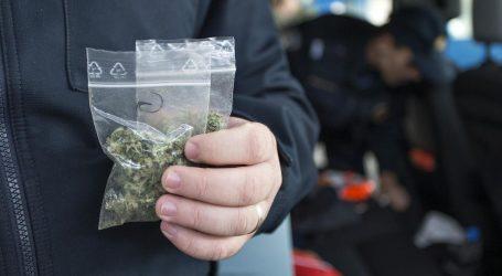 Policija u automobilu mladića pronašla više od kilograma marihuane