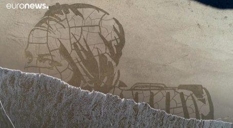 Engleska: Mural u pijesku podsjetio da se uskoro obilježava Svjetski dan voda