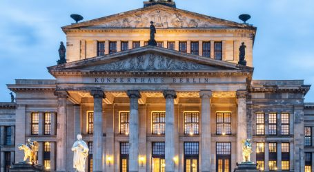 Slavni Berlinski filharmonijski orkestar nastupio pred publikom koja je negativna na koronu