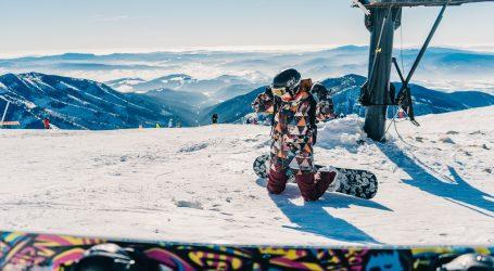Šestogodišnji dječak zadivio internet vožnjom na snowboardu