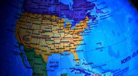 SAD: Cijepljene osobe mogu se okupljati u zatvorenom prostoru bez maski