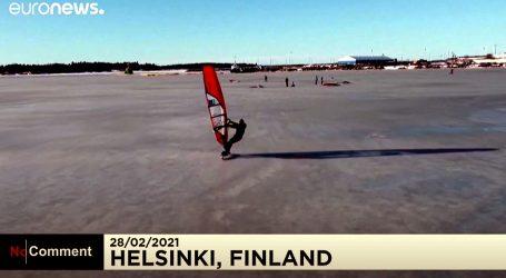 Finska: Atraktivno jedrenje na dasci na zaleđenom fjordu