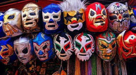Meksički hrvači uvjerili stanovnike da moraju nositi zaštitne maske