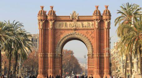 Potjerale ih mjere: Mladi turisti iz Francuske masovno odlaze u Španjolsku