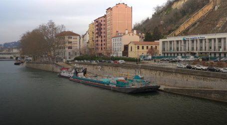 Lyon: Teretna splav za prikupljanje otpada na rapolaganju građanima