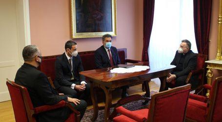 Ministar Fuchs susreo se s Bozanićem, pričali o suradnji Crkve i Ministarstva
