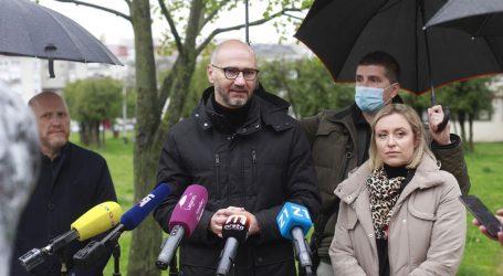 """Joško Klisović u Stenjevcu: """"Gradska vlast kriva što 20 godina nije sprječavala divlju urbanizaciju"""""""