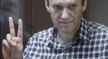 Supruga: Navaljni izgubio na kilaži i teško govori
