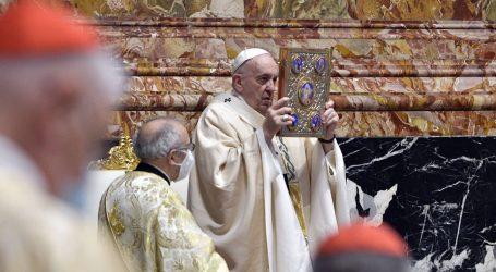 Papa Franjo vodio uskrsnu misu uz ograničenja