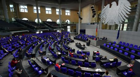 U Njemačkoj od ponoći nove stroge mjere, zabrana noćnog kretanja posebno sporna