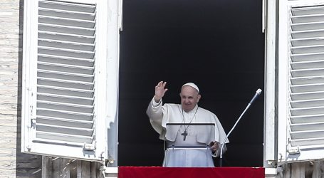 Papa žali za 130 nestalih u Mediteranu: sramimo se