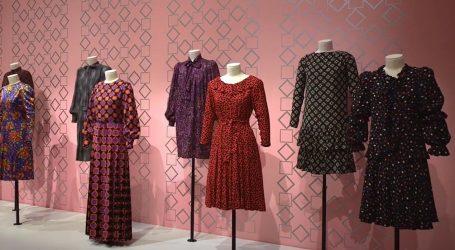 Pogled unatrag: Atraktivna haljina Yves Saint Laurenta iz 1968. godine