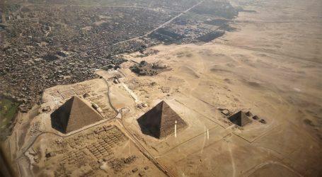 Zlatna povorka u Kairu: Posmrtni ostaci drevnih egipatskih vladara sele u procesiji u novi muzej