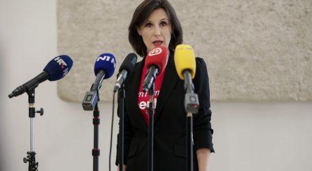 Dalija Orešković u Saboru minutom šutnje odala počast svim žrtvama nefunkcioniranja sustava socijalne skrbi