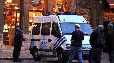 Policija vodenim topovima rastjerala zabranjeni skup u Bruxellesu