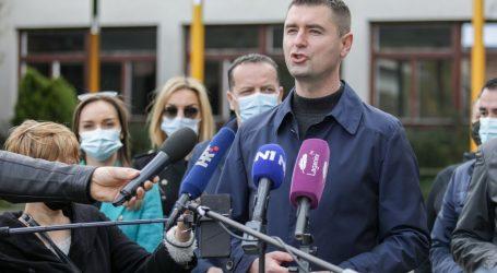 """HDZ-ov kandidat za gradonačelnika Filipović obišao osnovnu školu Bukovac. """"To je primjer sinergije Vlade i gradskog HDZ-a"""""""